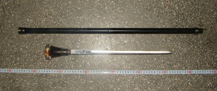Armaƒ alba descoperita in interiorul unui autoturism si Furt de fier vechi pe bratul Borcea