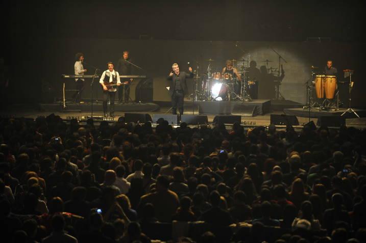 """Mii de fani au aplaudat trupa Holograf la concertul """"Love Affair"""""""