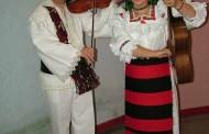 Cornelia şi Lupu Rednic au primit două sticle de vin din anul 1956