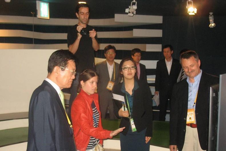 Expoziţie de produse româneşti în cadrul Pavilionul României la Expo 2012 Yeosu, Republica Coreea