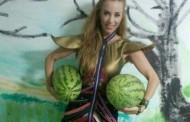 Annes a primit un portbagaj de pepeni de la un fan din Mangalia