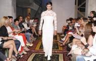 Designerul Dorin Negrau a vandut rochia de mireasa prezentata de un manechin barbat!