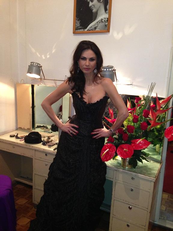 Ramona Badescu a afisat un trup de sirena la Balul Operei din Cluj!