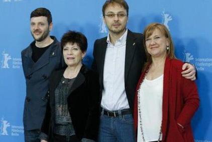 """Filmul romanesc """"Pozitia copilului"""" a luat Ursul de aur  la Berlin"""