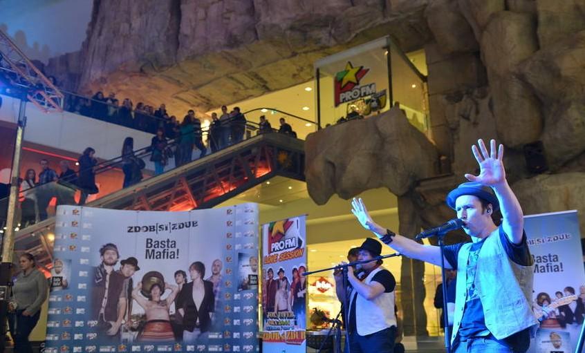 Zdob si Zdub a cantat aseara in fata a peste 1000 de fani!