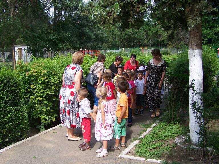 Gradinita 33 din Constanta le-a daruit o zi de neuitat copiilor de la Gradinita Almalau