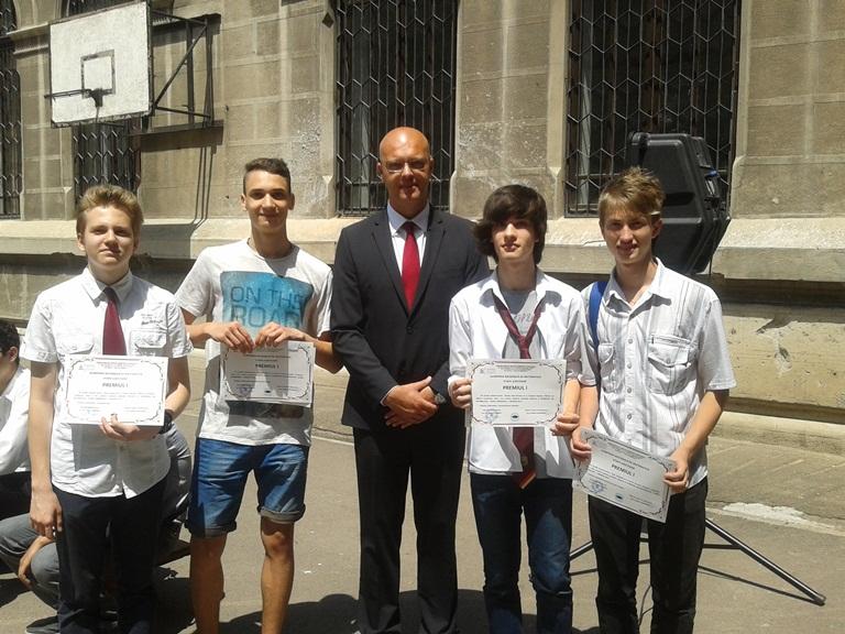 """Cinci elevi constănţeni premiaţi la Olimpiada judeţeană de matematică şi Concursul de Matematică Aplicată """"Adolf Haimovici"""""""