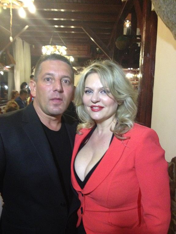 Costin Mărculescu vrăjit de o blondă!