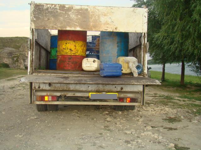 Peste o tonă de produs petrolier confiscată la Cernavodă