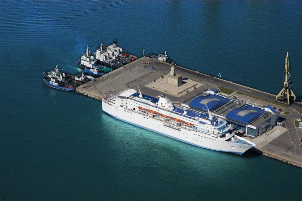 Peste 54.600 de pasageri au sosit în Portul Constanţa în sezonul de croaziere 2013