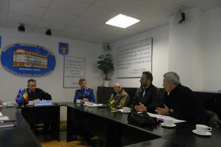 Întâlnire între jandarmi şi reprezentanţi ai cluburilor sportive din municipiul Constanţa