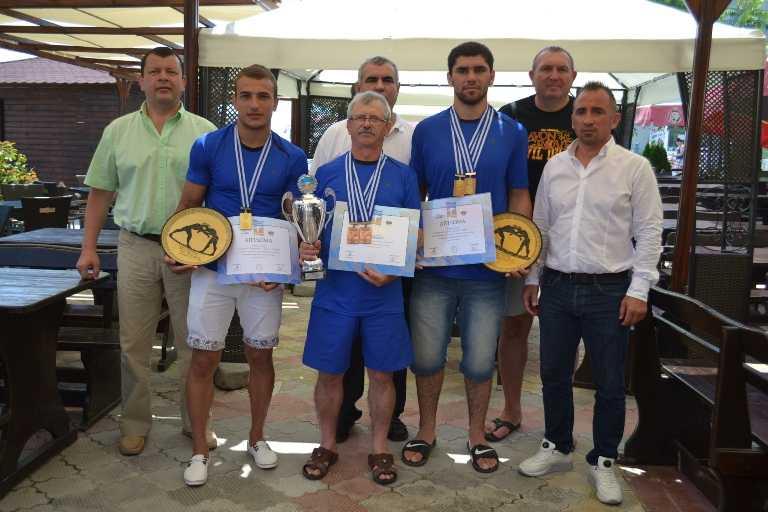 Trei medalii de aur pentru România, la Campionatul Mondial de Lupte din Grecia