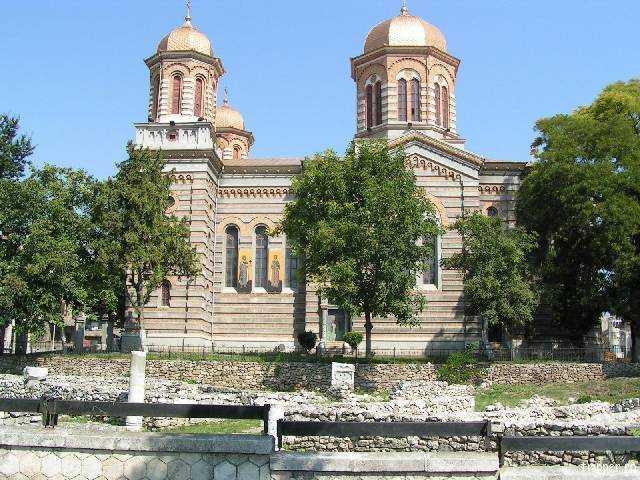 Cinstirea a trei sfinți în Biserica Ortodoxă