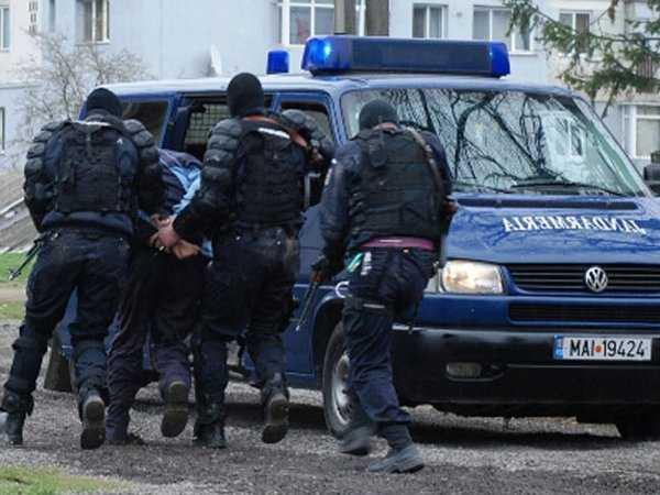 Jandarmii au surprins in Mamaia sapte tineri care detineau substante halucinogene