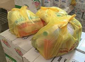 Se distribuie pachetele alimentare la Mangalia