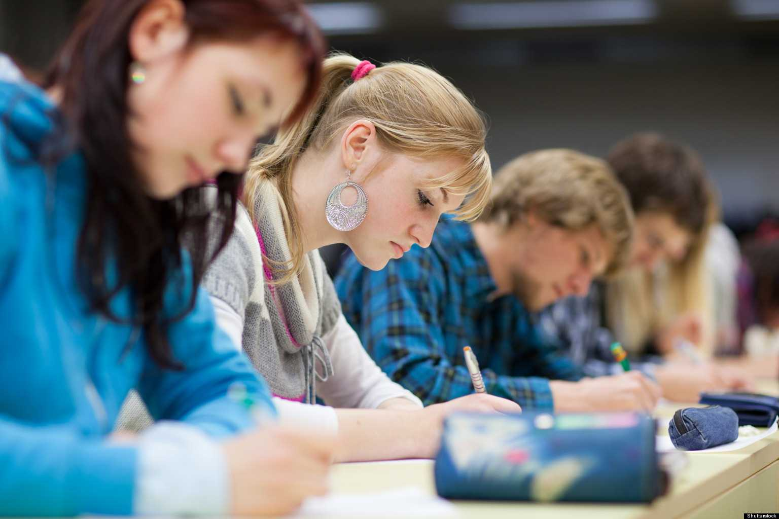 Arta democratiei si antreprenoriatul studiate de tineri