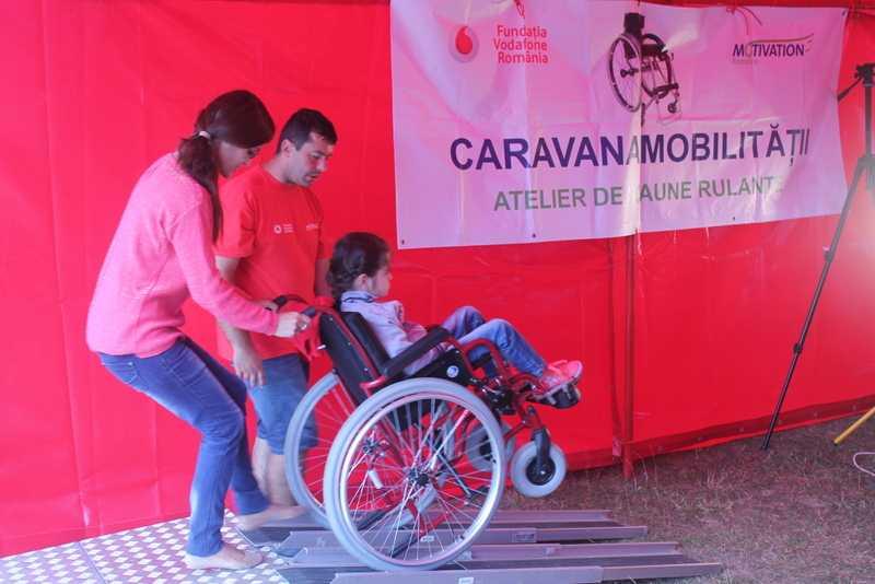 Caravana Mobilității s-a oprit la persoanele cu dizabilități locomotorii din Constanța