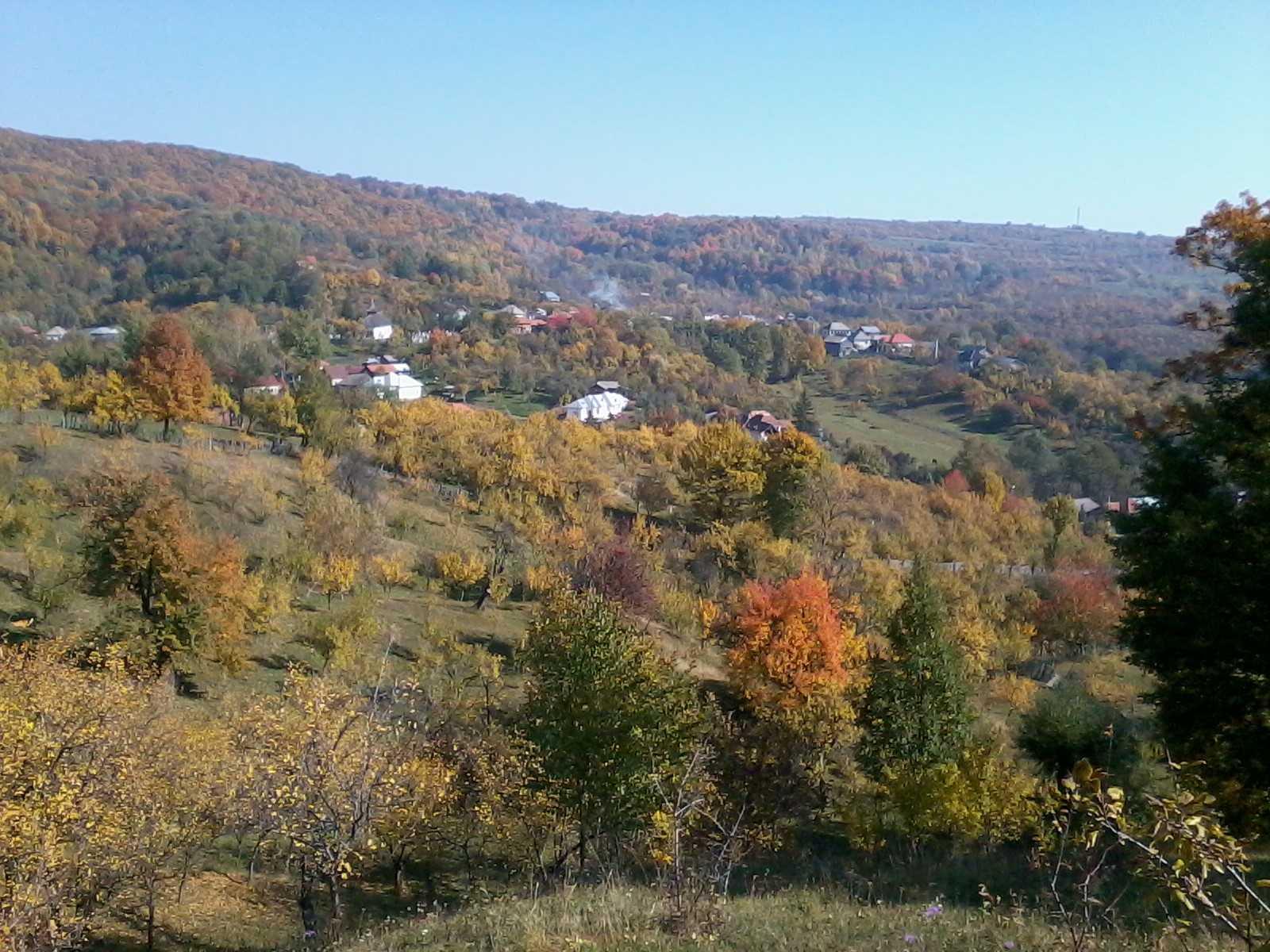 Vacanţă la Ţară cu  traditii, folclor si festivaluri