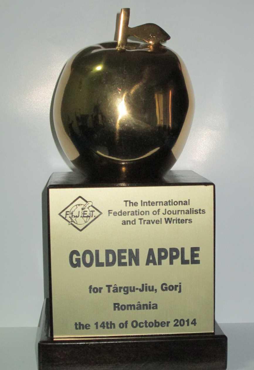 Trofeul  The Golden Apple 2014 ajunge la Targu Jiu