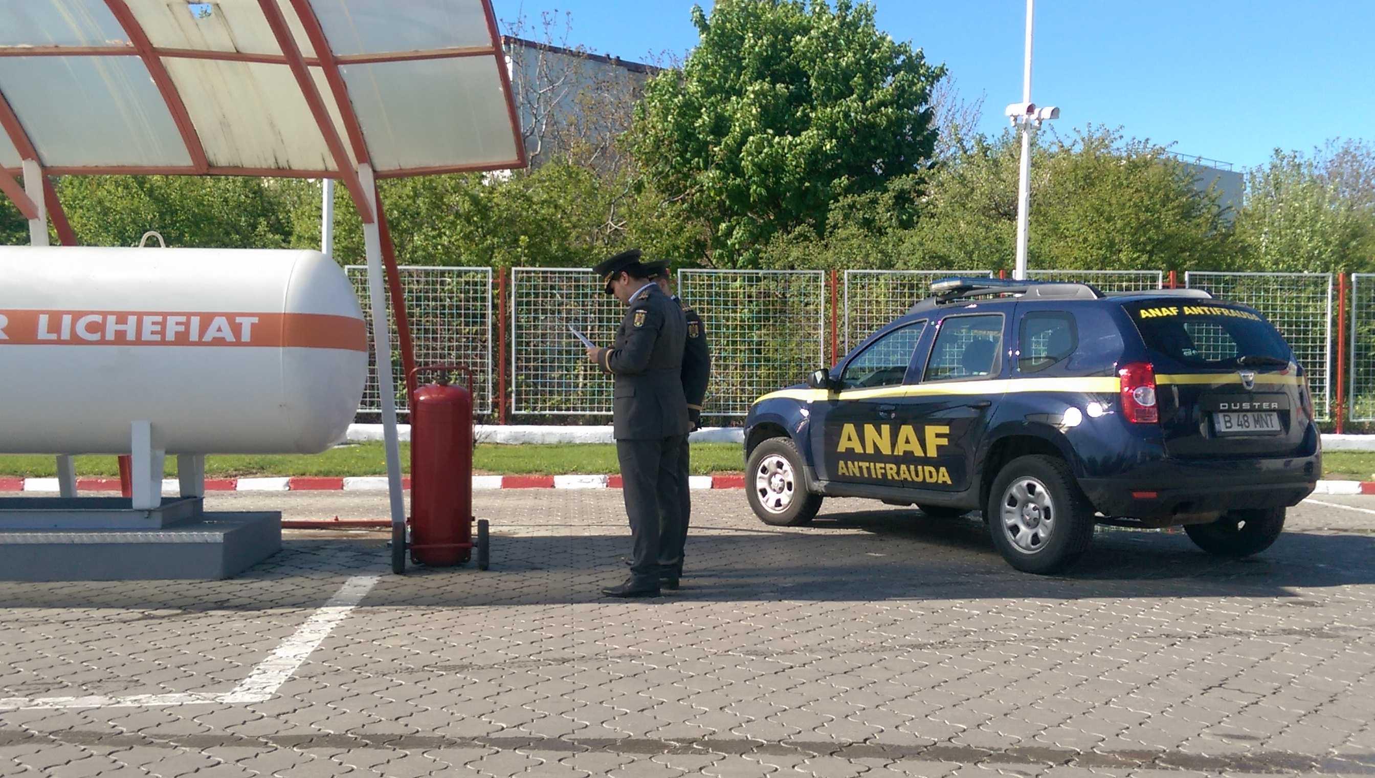 Sancţiuni de peste 2,6 milioane euro dispuse comercianţilor de combustibili de către inspectorii antifraudă