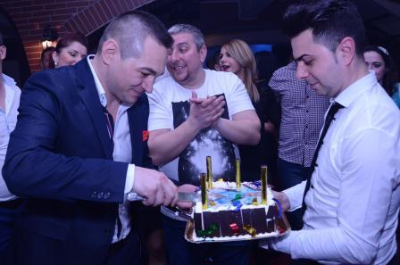 Florin Grigore, aniversare cu două torturi în propriul restaurant!
