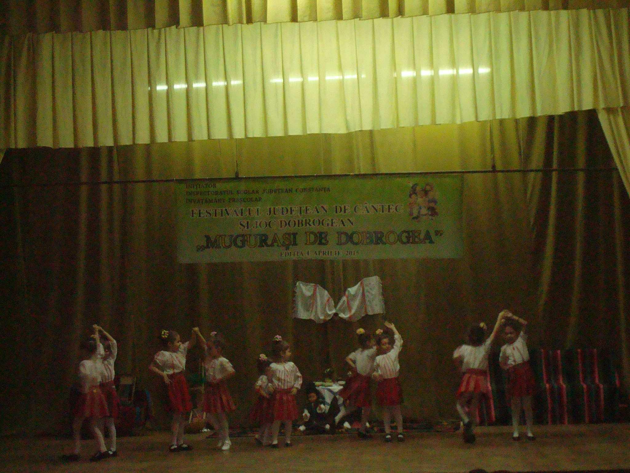 """Prima editie a Festivalului """"Mugurasi de Dobrogea"""" a avut mare succes"""