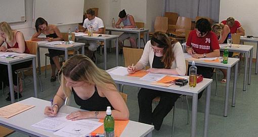 71,12 % dintre absolvenții de clasa a VIII-a au obținut medii peste 5  la Evaluarea națională