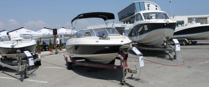 Tomis Yacht si Salonul Auto in Portul Turistic Constanta