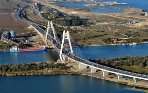 Podul rutier la km 0 +540 al Canalului Dunăre – Marea Neagră va fi deschis circulației