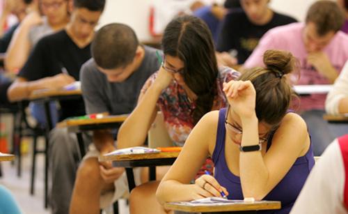 71,30% dintre absolvenții de clasa a VIII-a au obținut medii peste 5la Evaluarea națională