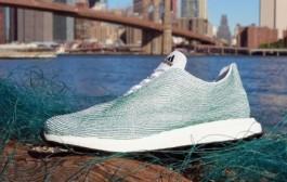 Adidas lansează prima încălțăminte sport fabricată din deșeuri plastice