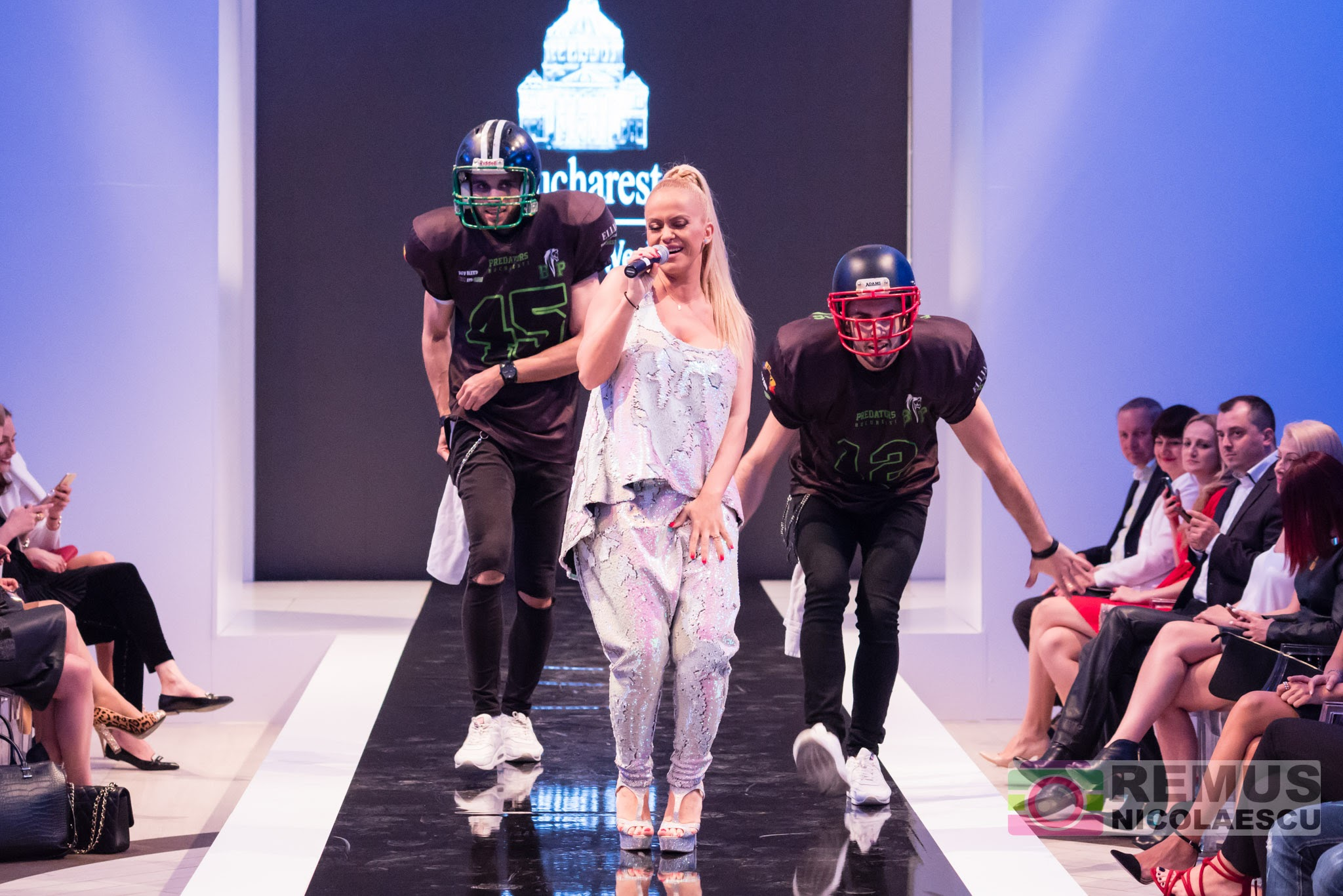 Anda Adam a făcut show la Bucharest Fashion Week!