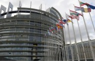 """Rezolutia Parlamentului European prin care cere Marii Britanii să activeze """"imediat"""" clauza privind retragerea din Uniunea Europeană"""