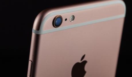 Apple pregătește trei noi modele de telefoane iPhone în 2017