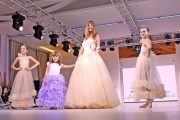 Cosmina Pasarin si Tania Budi, mirese la Bucharest Fashion Week