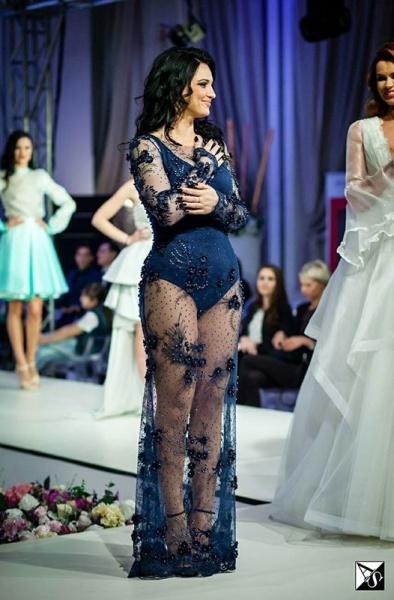 Andreea Dogaru a făcut furori la Bucharest Fashion Week!