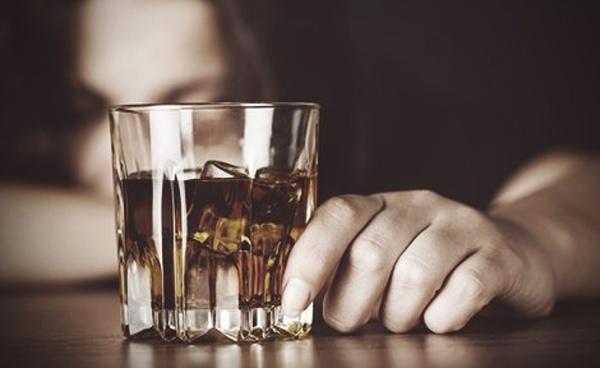 Metode prin care se tratează dependența de alcool