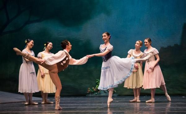 """""""Tosca"""" si """"Giselle"""" revin pe scena TNOB"""