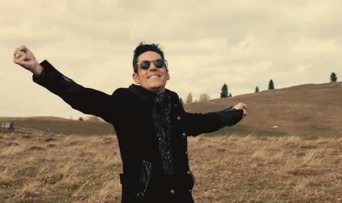 """Stefan Banica lanseaza un nou single cu videoclip: """"Pana la cer"""""""