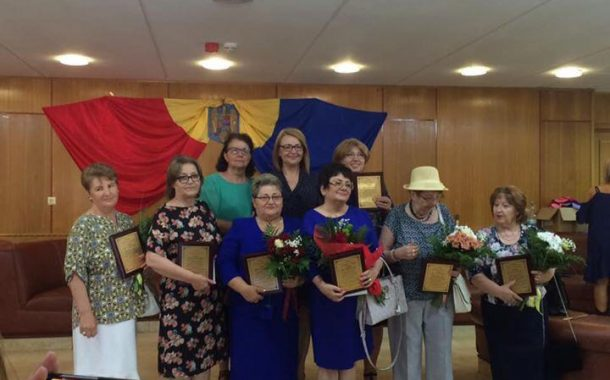 Educatoare premiate pentru o cariera deosebita la Constanta