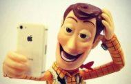 4 reguli de etichetă atunci când faci selfie