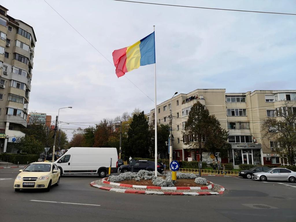 Tricolorul va flutura falnic în 14 intersecții din municipiul Constanța