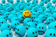 Psiholog român dezvăluie:Privim fericirea total diferit